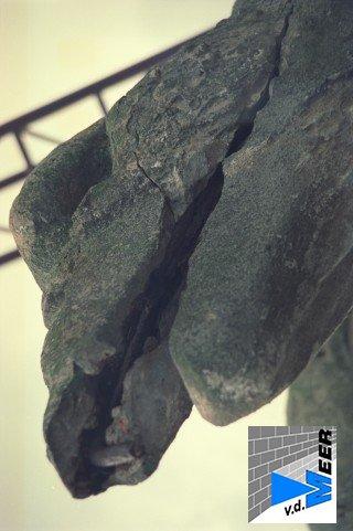 adelaar van klei 078